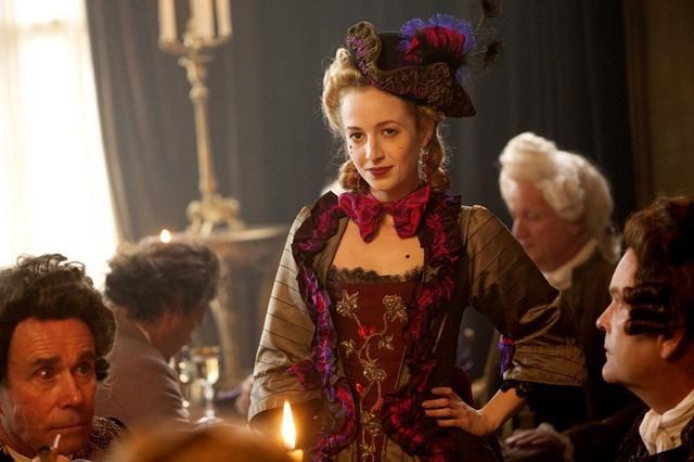 Женский наряд рококо