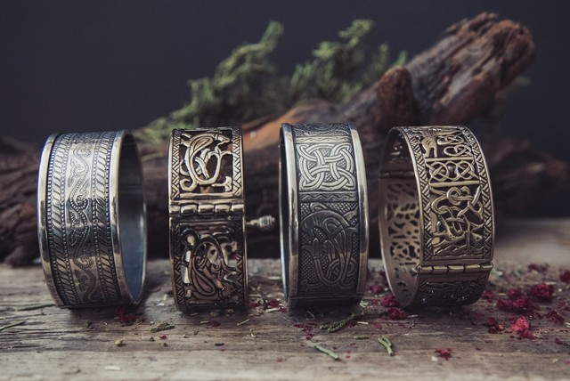 Старинные браслеты